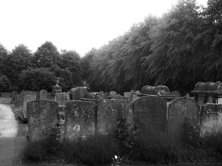 Graveyard_in_Black_and_White